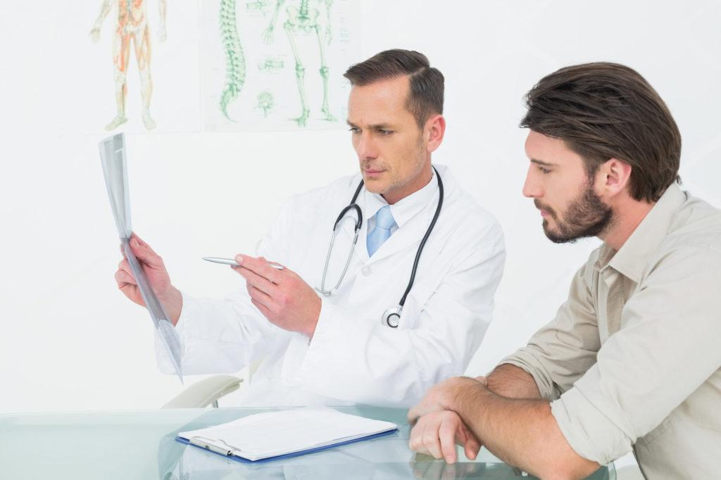 Мужской врач